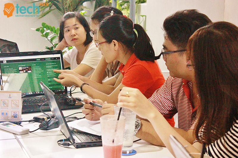 vtech cms thiết kế giao diện website
